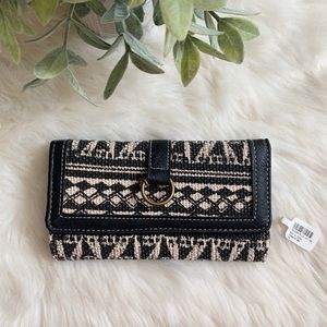 3/$25 NWT Claire's Woven Knit Beige Black Wallet